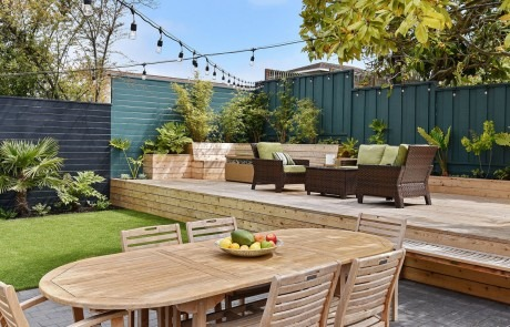 Beautiful Outdoor Patio Living Space in San Francisco with Modern Landscape Design